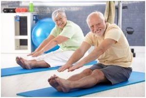 Senior couple exercising | senior fitness tips | Neighborly Home Care